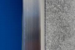 Fertig hergestellte Silikonfuge (Edelstahl-Granit)